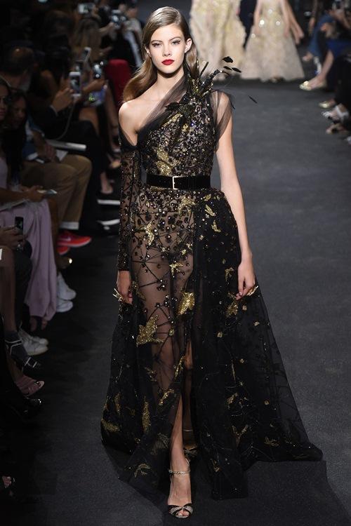 Elie Saab trình làng các mẫu váy lộng lẫy cho mẹ và bé - 15