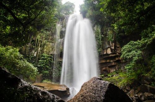 """Khám phá thị trấn """"ma"""" trong rừng ở Campuchia - 1"""