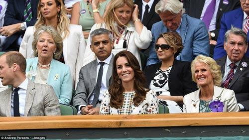 Hoàng gia Anh, bồ cũ Ronaldo & cả tá VIP cổ vũ Murray-Raonic - 4