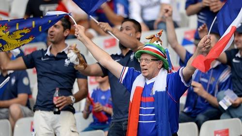 Stade de France rực lửa tiếp sức Pháp – Bồ Đào Nha - 2