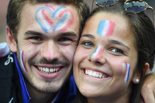 Stade de France rực lửa tiếp sức Pháp – Bồ Đào Nha - 6