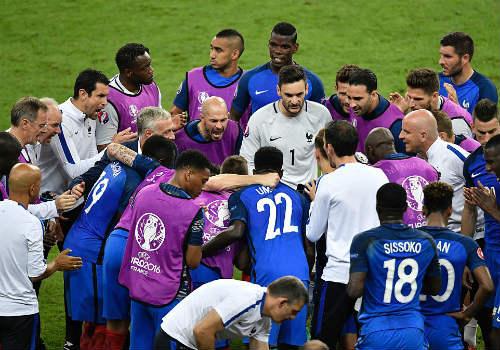 """Tuột chức vô địch, ĐT Pháp """"chết lặng"""" trên sân nhà - 1"""