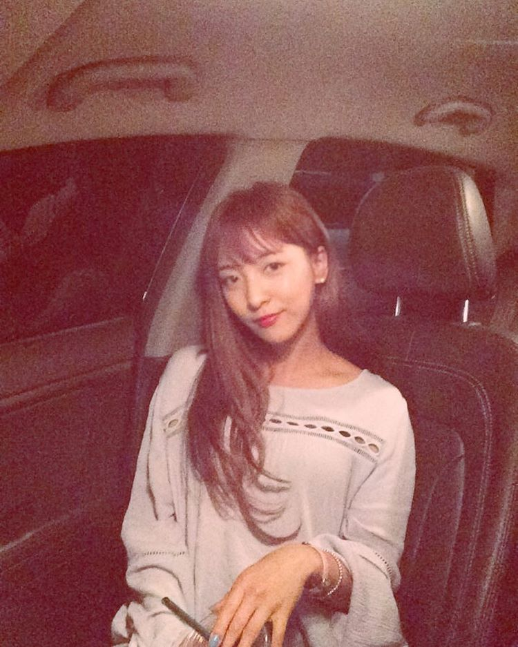 Thành viên xinh đẹp nhóm nhạc Hàn F(x) tới Việt Nam - 1