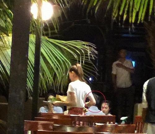 Cường Đôla nắm tay bạn gái, Hà Hồ đi ăn cùng đại gia - 3