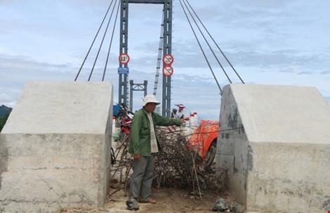 Kỳ lạ: Cầu xây xong, đường đi chẳng thấy - 8