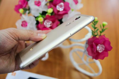 Trên tay điện thoại Xiaomi Redmi Note 3 Pro do FPT Trading phân phối - 4