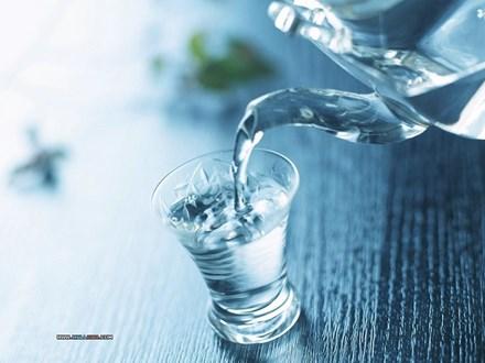 Thực hư uống nước đun sôi để nguội lâu ngày tăng nguy cơ ung thư? - 2