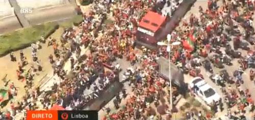 Biển người chào đón Bồ Đào Nha, Ronaldo ở quê nhà - 2