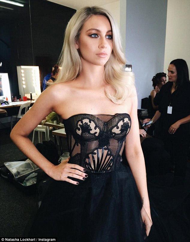 Thí sinh The Voice Úc lộ ngực trên sóng trực tiếp - 3