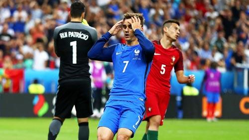 Hụt cúp C1 & Euro, Griezmann khó chung mâm CR7, Messi - 1