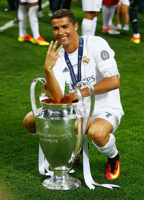 """""""Vua chung kết"""" Ronaldo & 13 khoảnh khắc đỉnh cao - 12"""