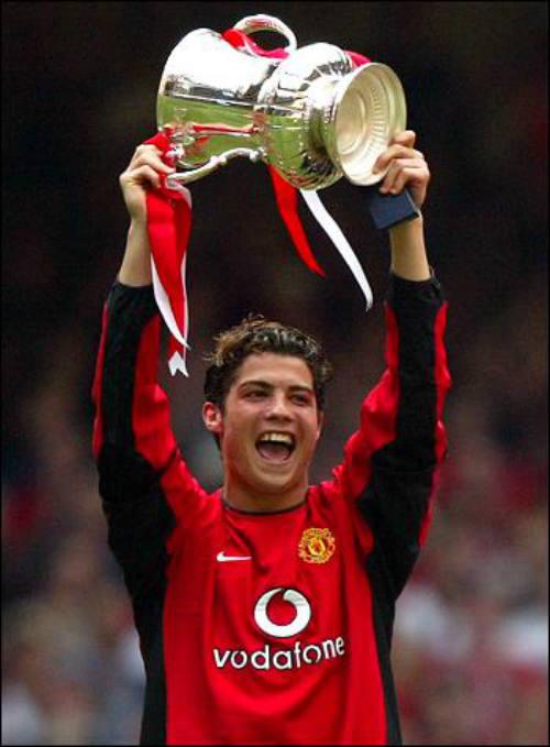 """""""Vua chung kết"""" Ronaldo & 13 khoảnh khắc đỉnh cao - 1"""