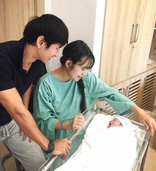 Vợ Lý Hải vừa sinh con thứ 4 là bé trai - 2