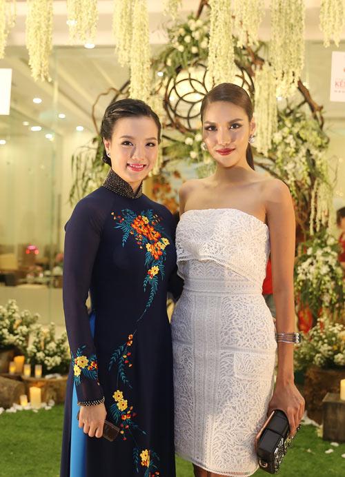 Hoa hậu Lan Khuê lộng lẫy trong lễ hội cưới Queen's Day 2016 - 1