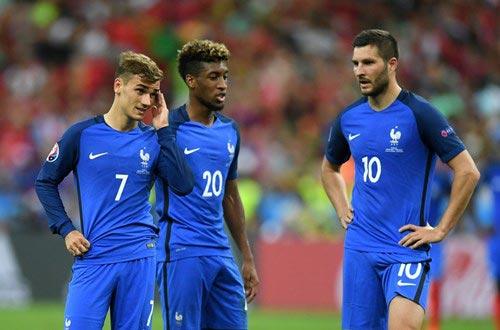 Đội tuyển Pháp: Người ta lớn, bởi vì ngươi quỳ xuống! - 4