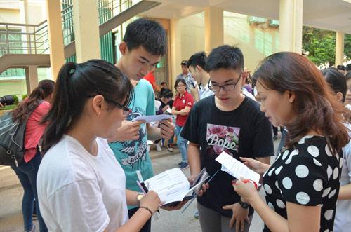 Kỳ thi THPT Quốc gia: Đã có điểm 10 môn Địa lý, Vật Lý - 1