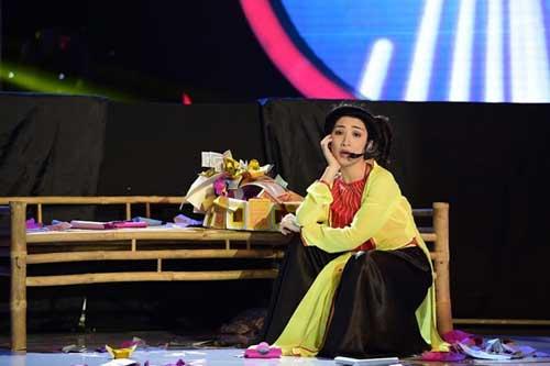 """Khoảnh khắc """"dị"""" của Hòa Minzy tại Gương mặt thân quen - 10"""