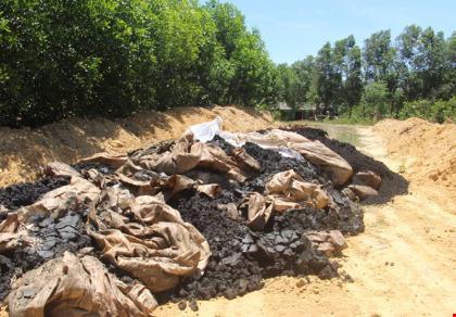 Điều tra vụ đổ chất thải Formosa ở trang trại sếp môi trường - 1