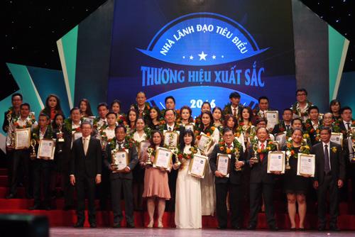 Thời trang Anh Khoa: nâng tầm thương hiệu Việt trên thị trường thế giới - 5