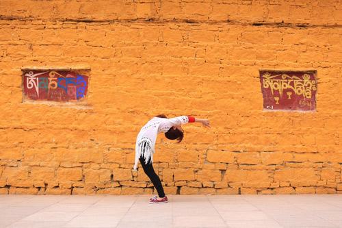 """Cô gái Việt mang yoga """"đi khắp thế gian"""" - 2"""