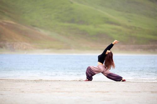 """Cô gái Việt mang yoga """"đi khắp thế gian"""" - 10"""