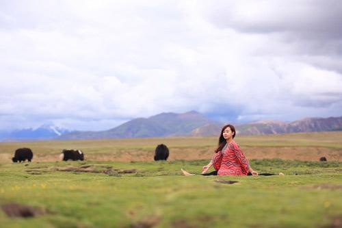 """Cô gái Việt mang yoga """"đi khắp thế gian"""" - 9"""