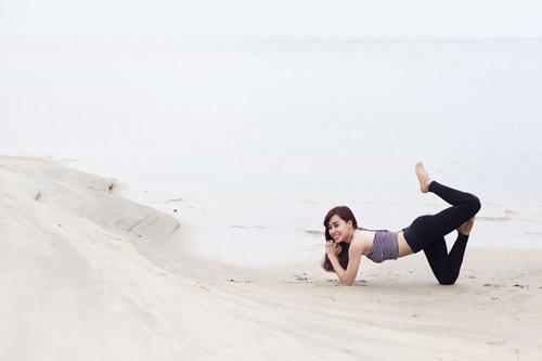 """Cô gái Việt mang yoga """"đi khắp thế gian"""" - 13"""