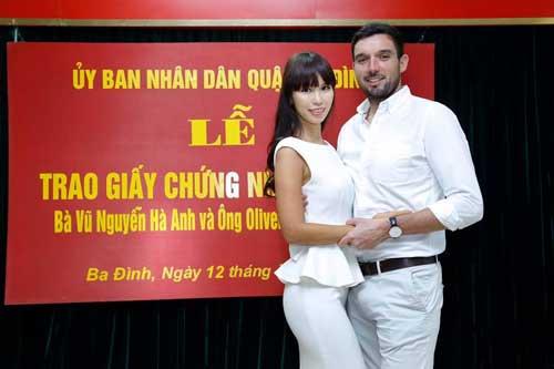 """Ảnh kết hôn """"bất thường"""" của chân dài Hà Anh gây ồn ào - 5"""