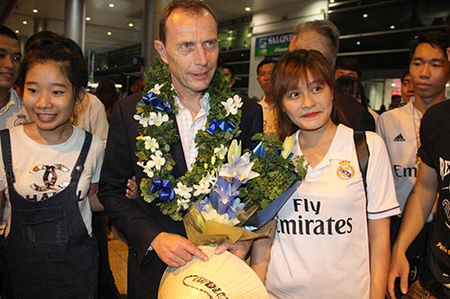 Huyền thoại Real Madrid tới Việt Nam mang theo thông điệp bất ngờ - 11