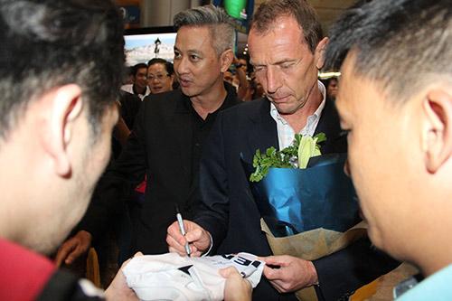 Huyền thoại Real Madrid tới Việt Nam mang theo thông điệp bất ngờ - 5