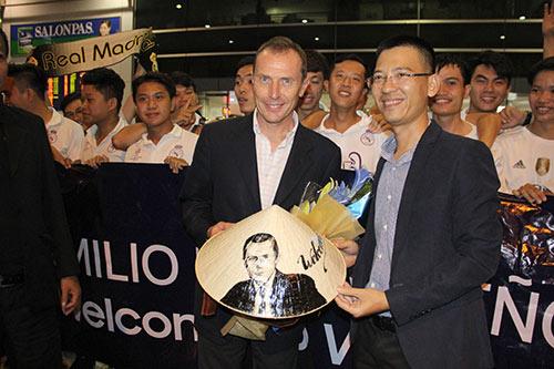 Huyền thoại Real Madrid tới Việt Nam mang theo thông điệp bất ngờ - 7