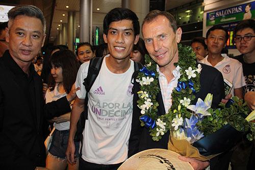 Huyền thoại Real Madrid tới Việt Nam mang theo thông điệp bất ngờ - 9