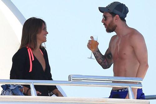 Sau án tù trốn thuế, Messi vô tư lự trên siêu du thuyền - 2