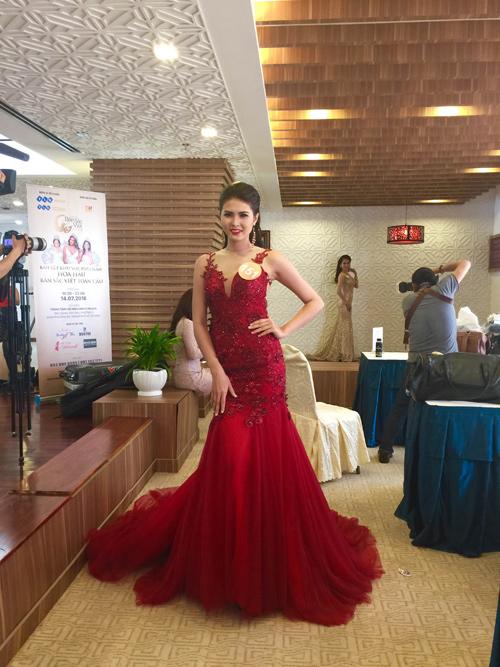 Em gái HH Diệu Hân nổi bật ở Hoa hậu Bản sắc Việt - 14