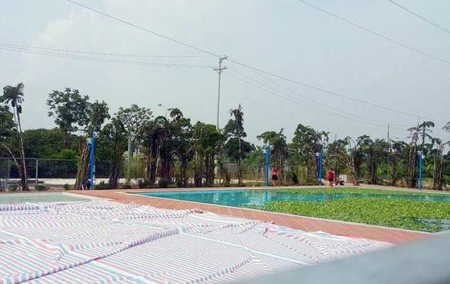 Giật mình bể bơi xây dưới chân cột điện cao thế 110KV - 3