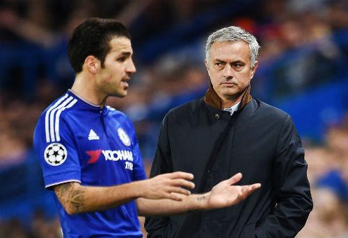 Mourinho cảnh báo SAO MU: Kém cỏi là đày xuống đội trẻ - 2