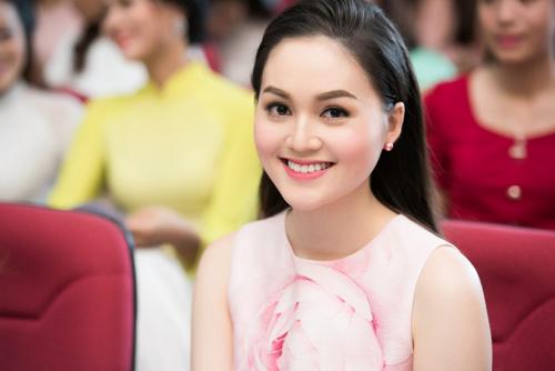 Nữ sinh học siêu giỏi, vòng eo 56 đi thi Hoa hậu VN - 6