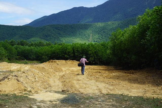 Cận cảnh khu trang trại chôn chất thải của Formosa - 9