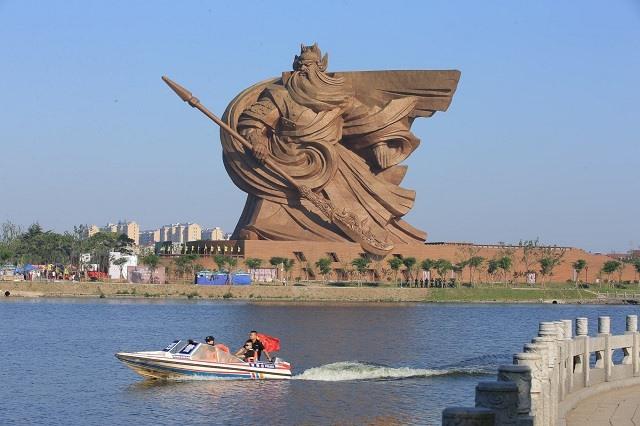 Trung Quốc xây tượng Quan Công cao 48m nặng nghìn tấn - 4