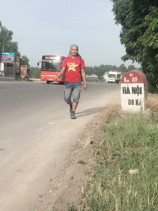 Chàng trai 9x và hành trình đi bộ xuyên Việt để vận động hiến tạng - 1