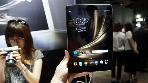 Asus ra mắt máy tính bảng ZenPad 3S 10, giá gần 8 triệu đồng - 1