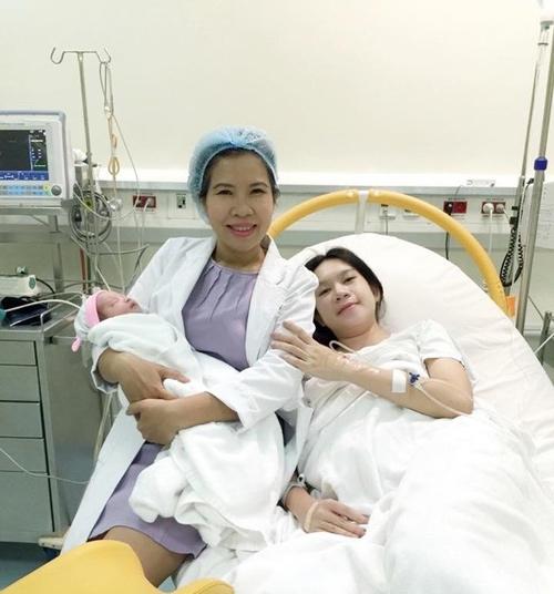 Chi phí sinh con đối lập với tiền đi học của các bé nhà Lý Hải - 3