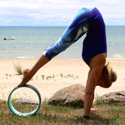 Phụ kiện yoga nào đang hot nhất trên Instagram? - 11