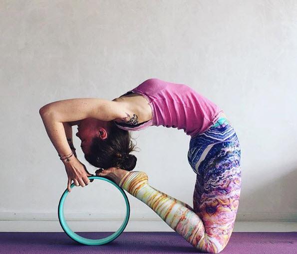 Phụ kiện yoga nào đang hot nhất trên Instagram? - 4