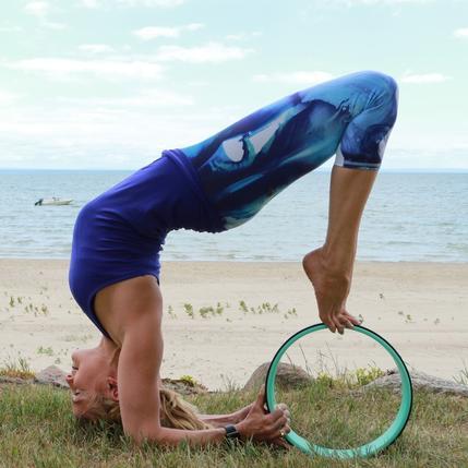 Phụ kiện yoga nào đang hot nhất trên Instagram? - 13