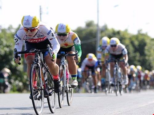 Tay đua Hàn Quốc khóc nức nở vì bị dẫn nhầm lộ trình - 1
