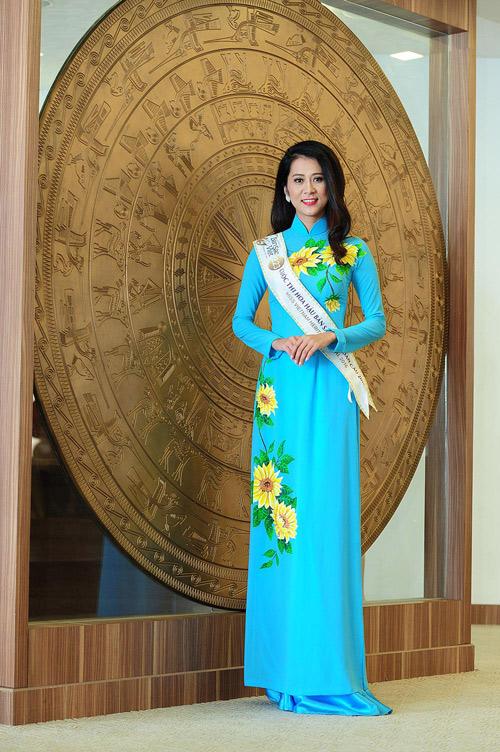 Chân dài cao 1m78 vượt trội ở Hoa hậu Bản sắc Việt - 13
