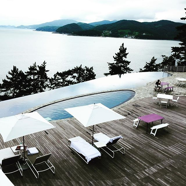 Bae Yong Joon đưa vợ đi nghỉ ở villa gần 200 triệu/đêm - 7