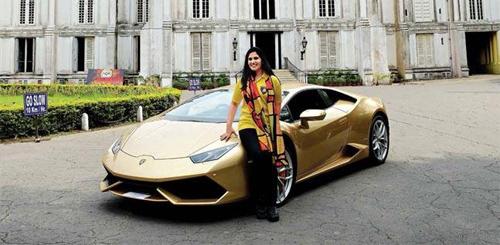 Người phụ nữ Ấn Độ đầu tiên sở hữu Lamborghini - 1