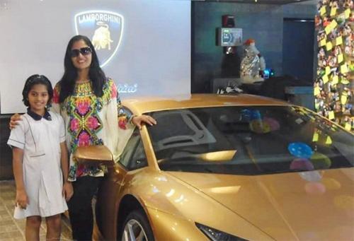 Người phụ nữ Ấn Độ đầu tiên sở hữu Lamborghini - 2